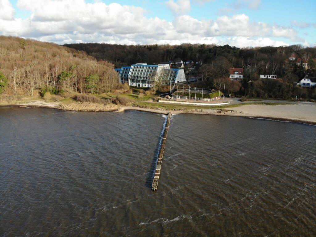 workation planen und direkt am Wasser landen: project bay
